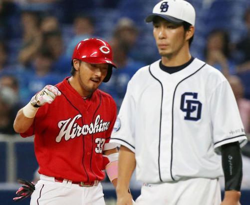 黒田「菊地の守備はメジャーでもトップクラス。肩が強くてもあれだけ守備範囲の広い選手はいない」