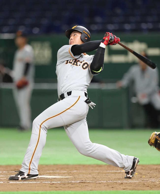 【朗報】巨人・村田コーチ明言「阿部と岡本、調子のいい方を使う」