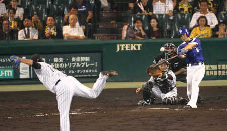 中日 石川 プロ初本塁打は引退の安藤から「ラストチャンスという気持ち こっちも生活がかかっている」