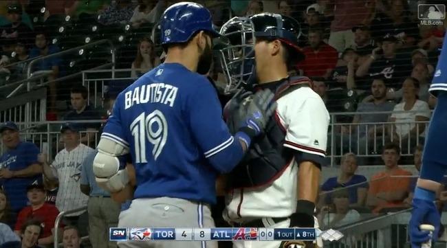 【悲報】メジャーリーグ、バット投げしただけで乱闘