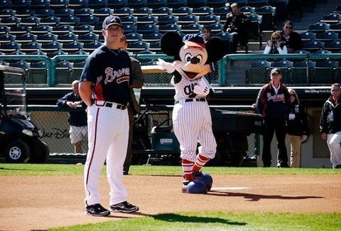 mickey-mouse-baseball