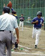 打ったら三塁へ、戸惑う選手が続出…左利き野球大会が開催