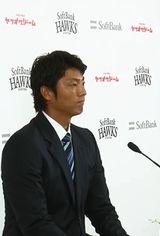 斉藤和巳リハビリ担当コーチ、引退&今月限りでコーチとしても退団