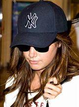 なぜギャル達はヤンキースのNY帽子をかぶるのか