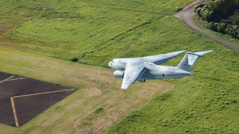 航空自衛隊の新型輸送機「C2」開発完了 現有のC1を大きく上回る性能で機動戦闘車も空輸可能