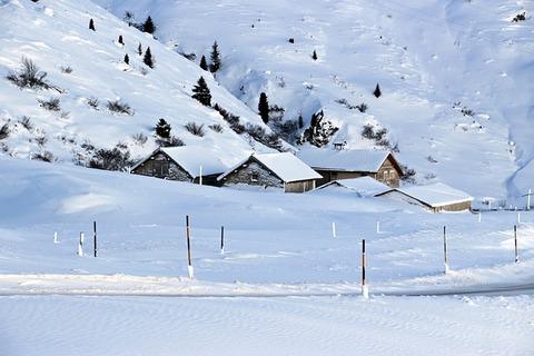 snow-3065369_640