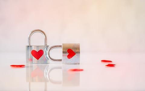 valentine-3126532_640
