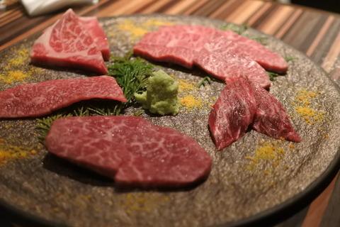 熊本県阿蘇放牧和牛あか牛の盛り合わせ