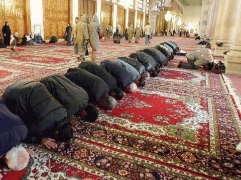 Salat_at_Mosque