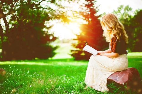 reading-girl-alone-green-nature-2798775