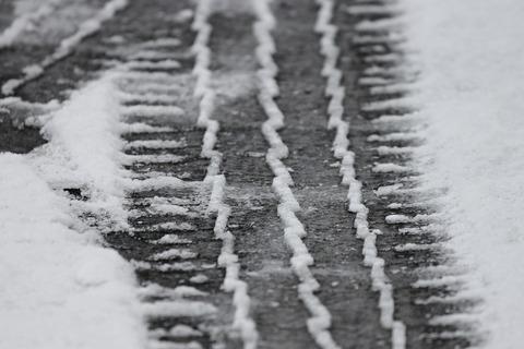 tire-tracks-3148803_1920