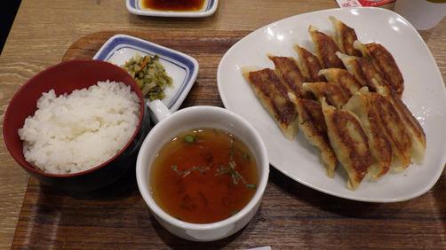 リンガーハットの餃子15個定食