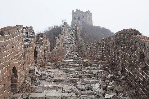 China-Great-Wall-Ruins-02