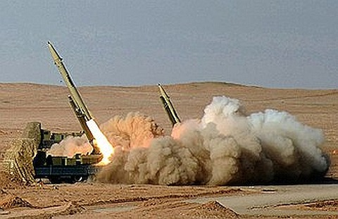 330px-Fateh-110_Missile_by_YPA.IR_02