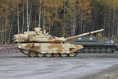 800px-T-90SM_-_RAE2013-05