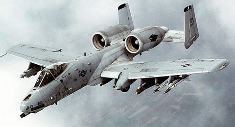 A-10_Thunderbolt_II_In-flight-2-696x375