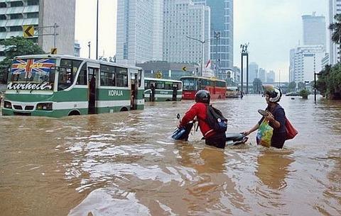 81-banjir_di_jakarta_s