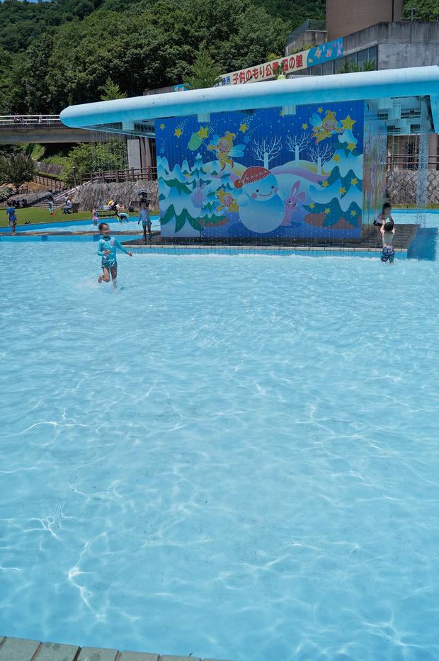 榛原-子どもに大人気の水糸の滝