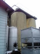 ニシキ醤油の大きななタンク