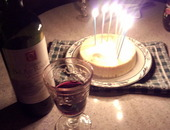ホワイトチョコレートチーズケーキとワインで
