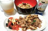 豚肉ときのこのバジル炒めと炊き込みご飯