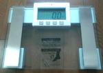 ガラストップ体重計