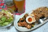 鶏と小松菜のナンプラー炒めと棒々鶏とアーモンドサラダ
