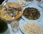 パエリア風丼と鰹のたたきとサラダ2種