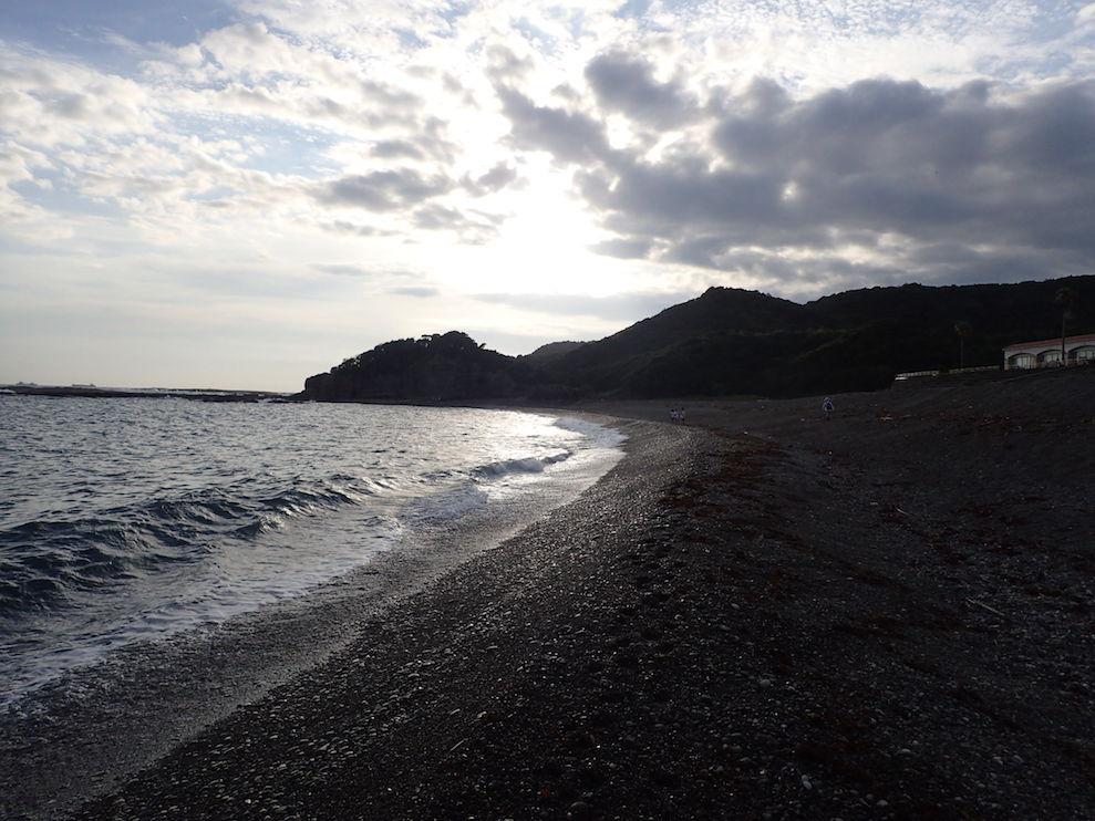 02宿舎近くの浜
