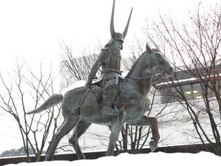 井伊直政の銅像02