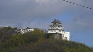 歴史的な背景が全くない尾道城02