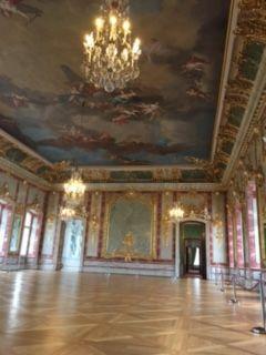 ルンダーレ宮殿 (320x240)