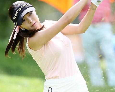 韓国の巨乳ゴルファー アン・シネ