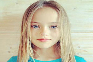 the-modeling-world-is-beautiful-9-year-old-girl
