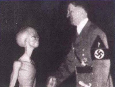 hitler-with-alien-ufo-vril-haunebu-ww2-nazi