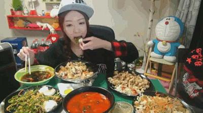 韓国人 食べ方