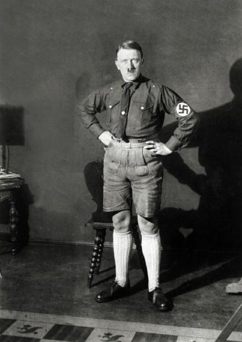 banned_neverbeforeseen_photos_of_hitler_in_shorts_640_high_05
