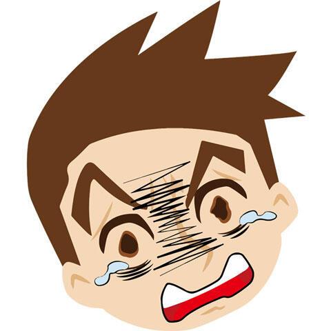 泣いている男性の顔