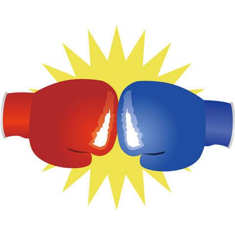 激突するボクシンググローブ