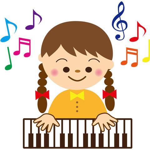 ピアノを弾いている女の子