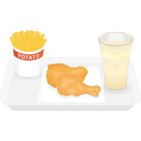 フライドチキンとフライドポテトとアップルジュース
