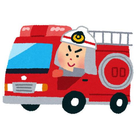 消防車に乗った消防士
