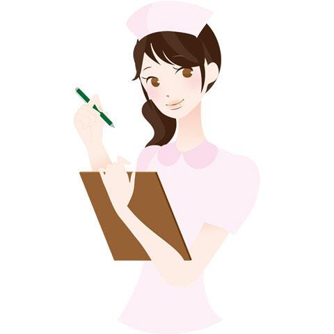 問診表を持つ若い女性看護師