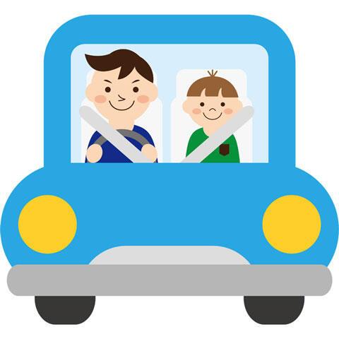 車を運転中のお父さんと息子