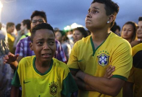 La_tristeza-verguenza-Mundial-Brasil-2014_PREIMA20140708_0471_32