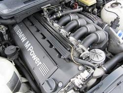 3リットル286馬力のエンジン NAでこの馬力、すごいです