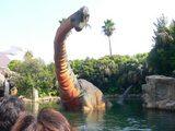 大きな恐竜が出てきます