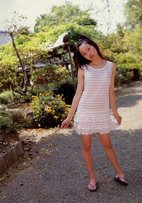 戸田恵梨香画像 出社時間が過ぎても舐め続けたい