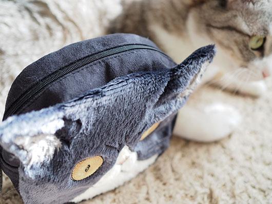 ハチワレ猫ポーチ