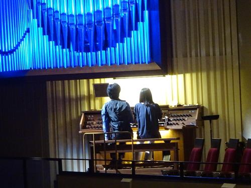 中央講堂でピアノコンサート